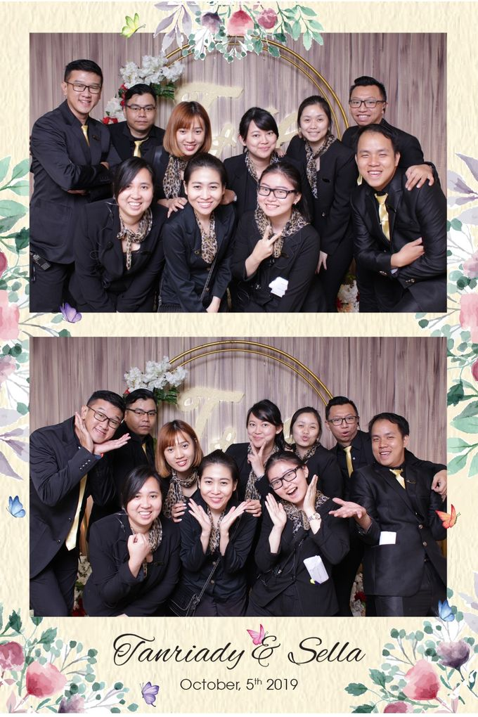 WEDDING TANRIADY & SELLY  - Photo Collage by Snapshot Photobooth - 003