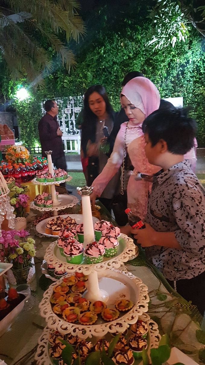 Wedding Cake and Sweet Corner For Balinese Wedding by The Chocolate Land - 016