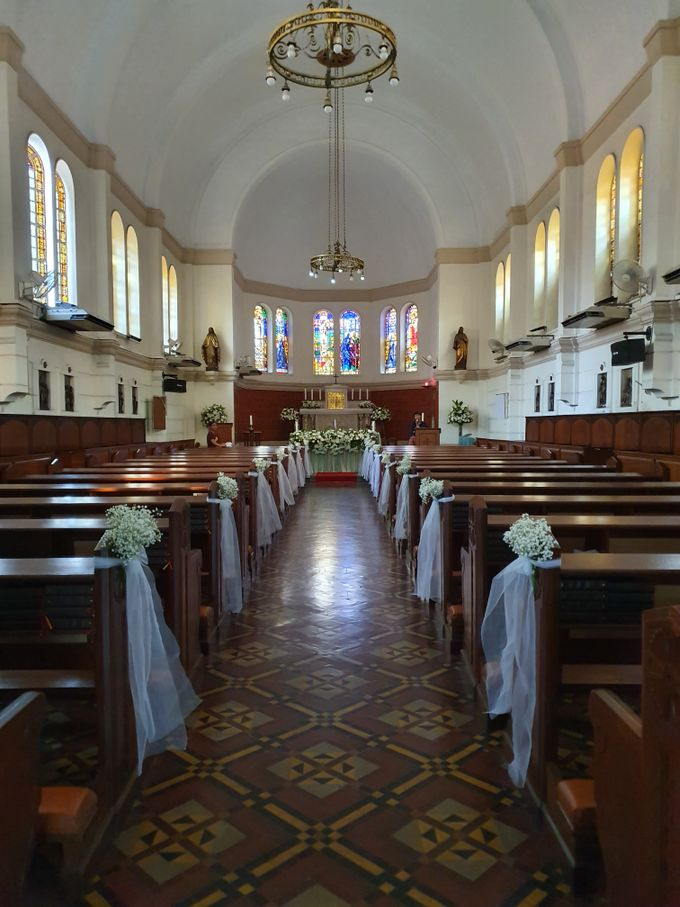 Decoration At Santa Maria Juanda Chapel by nanami florist - 001