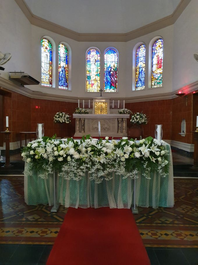Decoration At Santa Maria Juanda Chapel by nanami florist - 003
