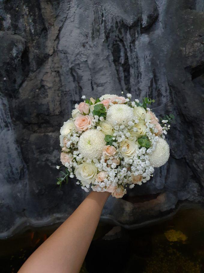 Weddingdecoration At Santaursulachapel by nanami florist - 002