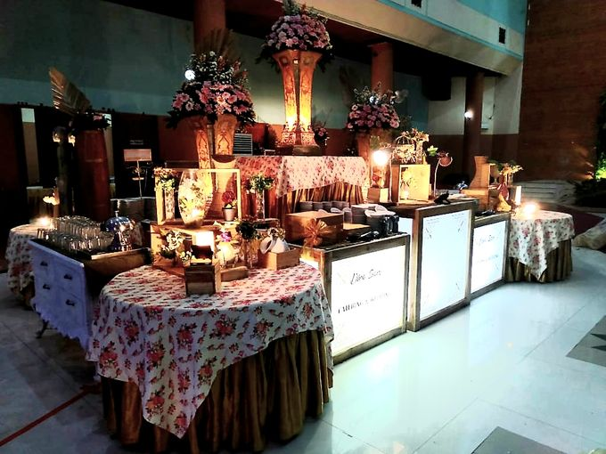 The Wedding Of Lastry & Hendry - Bohemian Rustic by Dirasari Catering - 013