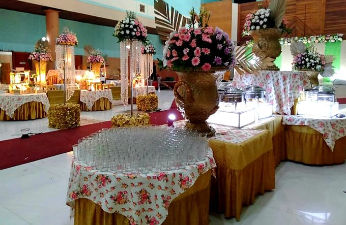 The Wedding Of Lastry & Hendry - Bohemian Rustic by Dirasari Catering - 014