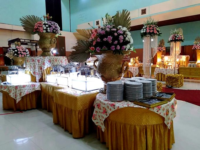 The Wedding Of Lastry & Hendry - Bohemian Rustic by Dirasari Catering - 006
