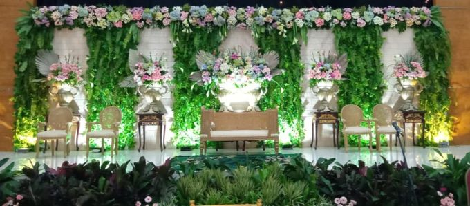 The Wedding Of Lastry & Hendry - Bohemian Rustic by Dirasari Catering - 012
