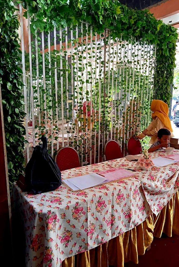 The Wedding Of Lastry & Hendry - Bohemian Rustic by Dirasari Catering - 022