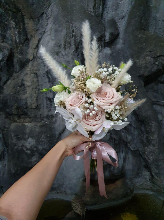 Handbouquet by nanami florist - 003