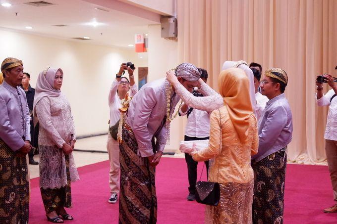 Ayu & Turas Wedding by HENRY BRILLIANTO - 026