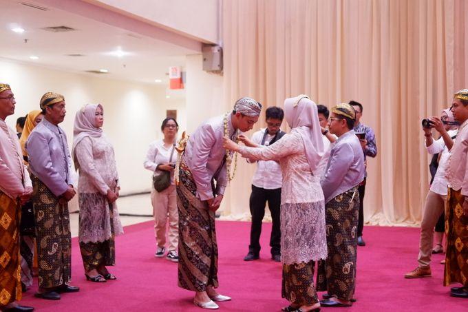 Ayu & Turas Wedding by HENRY BRILLIANTO - 027