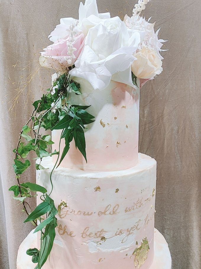 Calligraphed Wedding Cake by Ame Cakery - 002