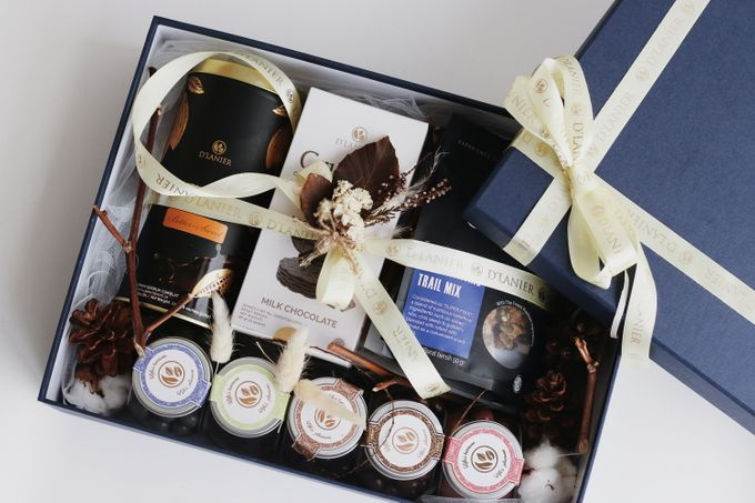 Hampers by D'LANIER Artisan Chocolates - 004
