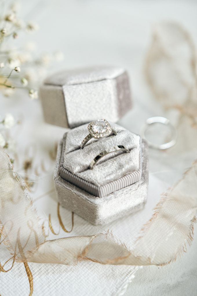 Velvet Ring Box (Hexagon) without monogram by Box Of Love - 007