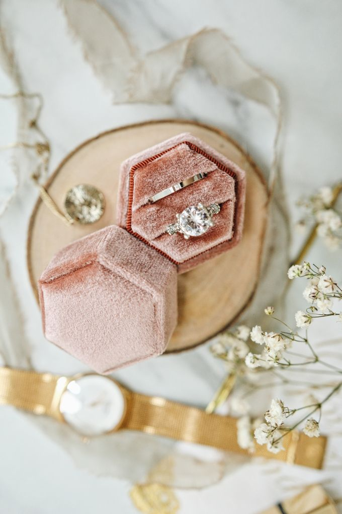 Velvet Ring Box (Hexagon) without monogram by Box Of Love - 006