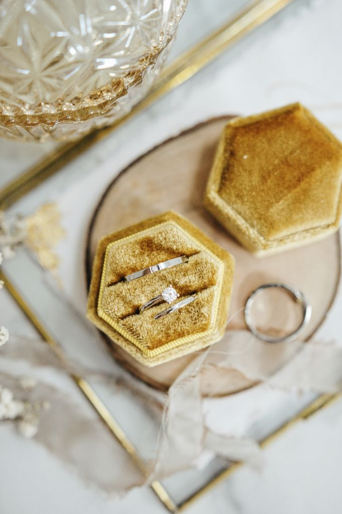 Velvet Ring Box (Hexagon) without monogram by Box Of Love - 004