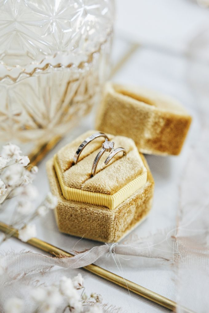 Velvet Ring Box (Hexagon) without monogram by Box Of Love - 003