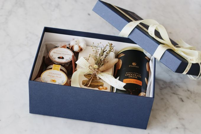Hampers by D'LANIER Artisan Chocolates - 007
