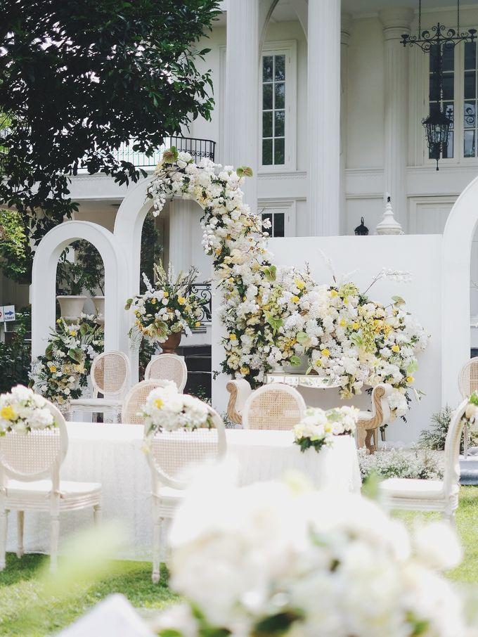 Intimate Wedding At The Manor Andara by Medina Catering - 002