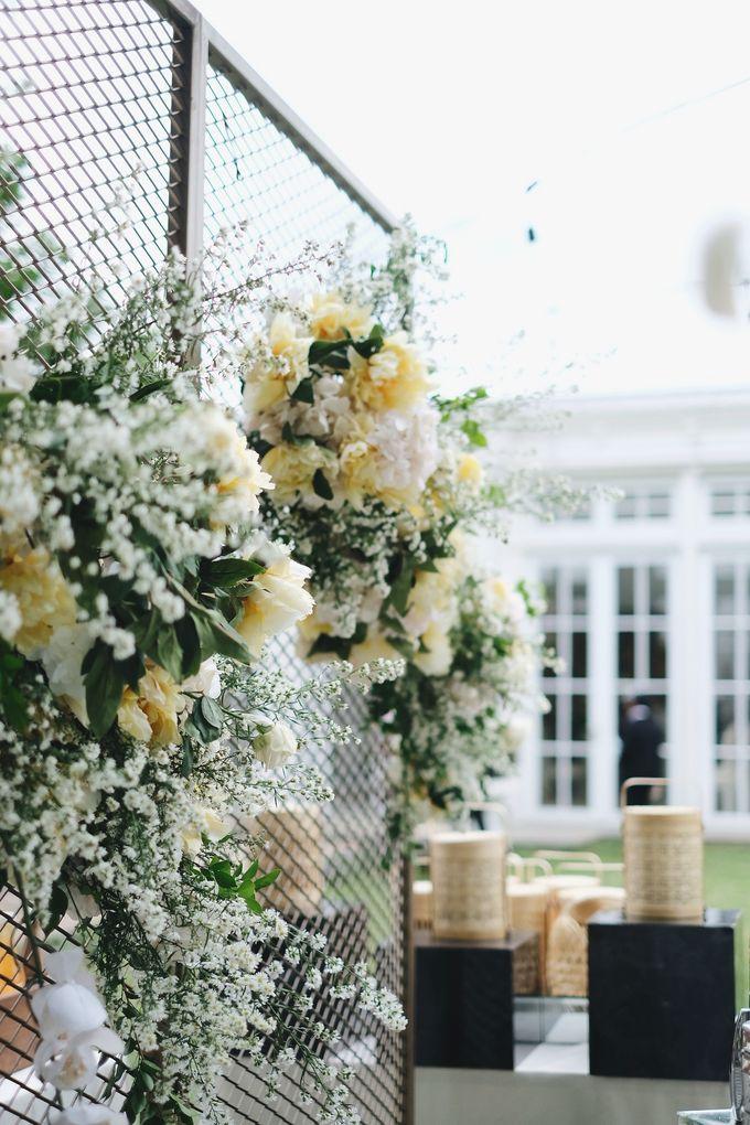 Intimate Wedding At The Manor Andara by Medina Catering - 009