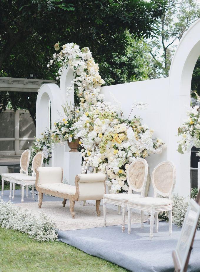 Intimate Wedding At The Manor Andara by Medina Catering - 026