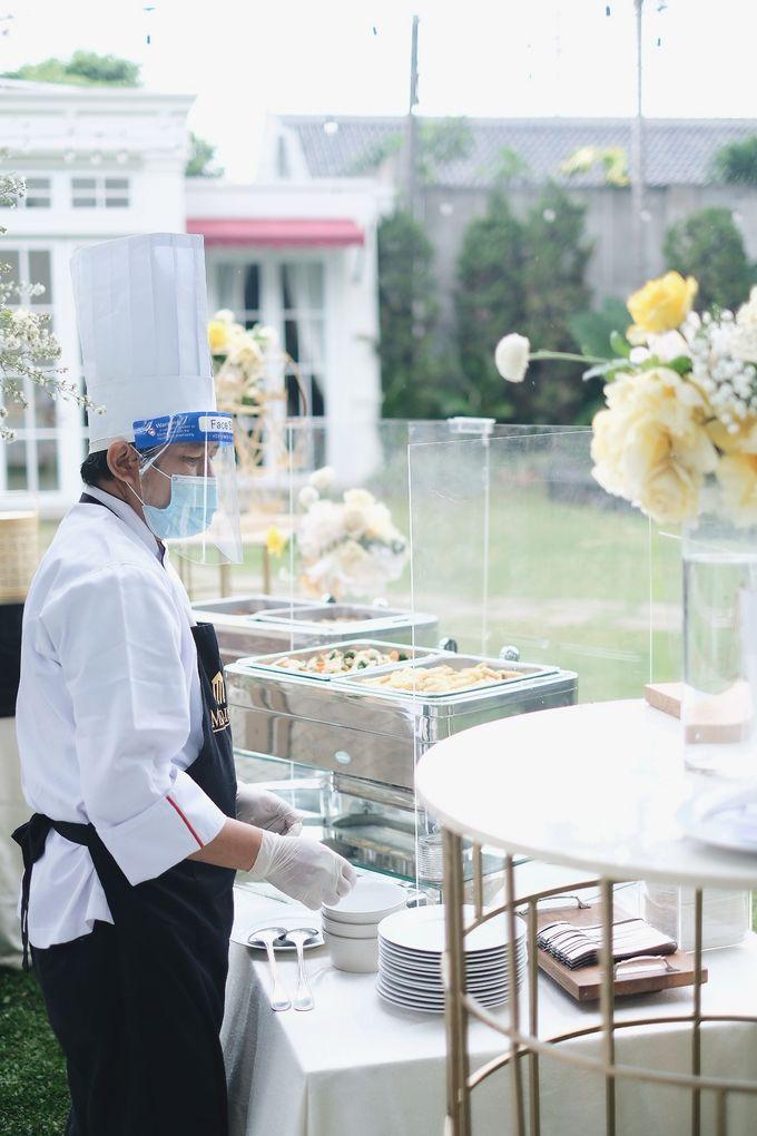 Intimate Wedding At The Manor Andara by Medina Catering - 013