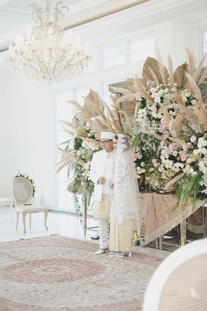 Intimate Wedding At The Manor Andara by Medina Catering - 016