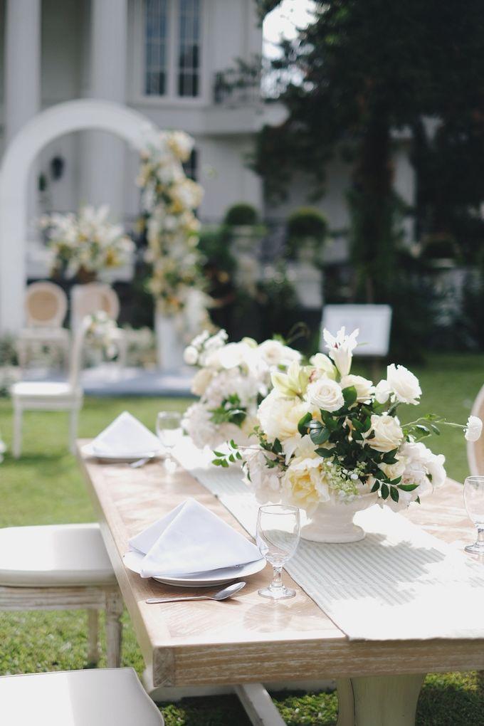 Intimate Wedding At The Manor Andara by Medina Catering - 020