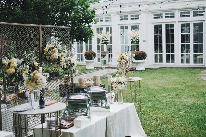 Intimate Wedding At The Manor Andara by Medina Catering - 031