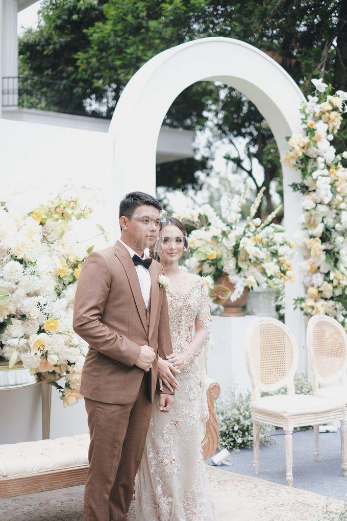 Intimate Wedding At The Manor Andara by Medina Catering - 015