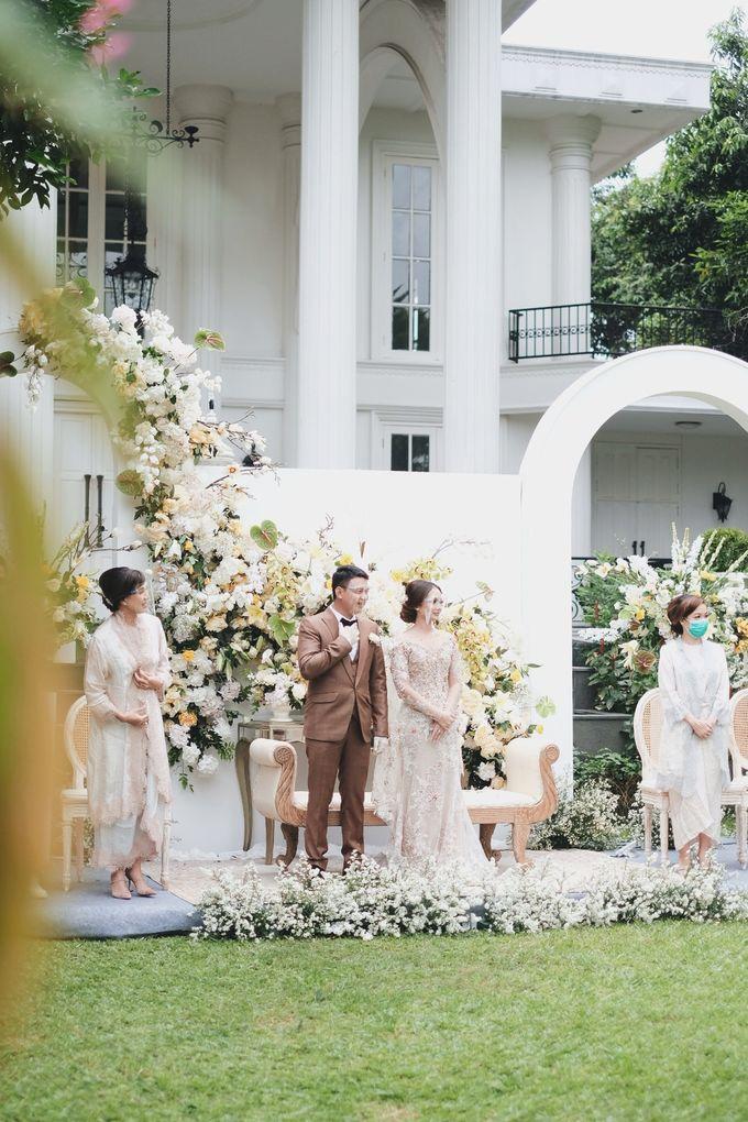 Intimate Wedding At The Manor Andara by Medina Catering - 041