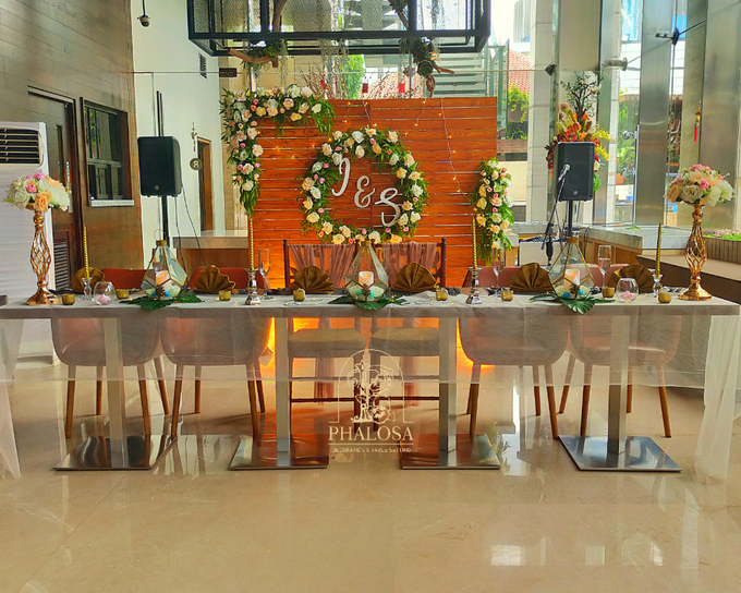 Wedding Of Iwan & Selly by Phalosa Event Decoration & Table Setting - 006