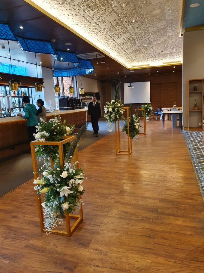 Dekor 100 Eatery & Bar by nanami florist - 004