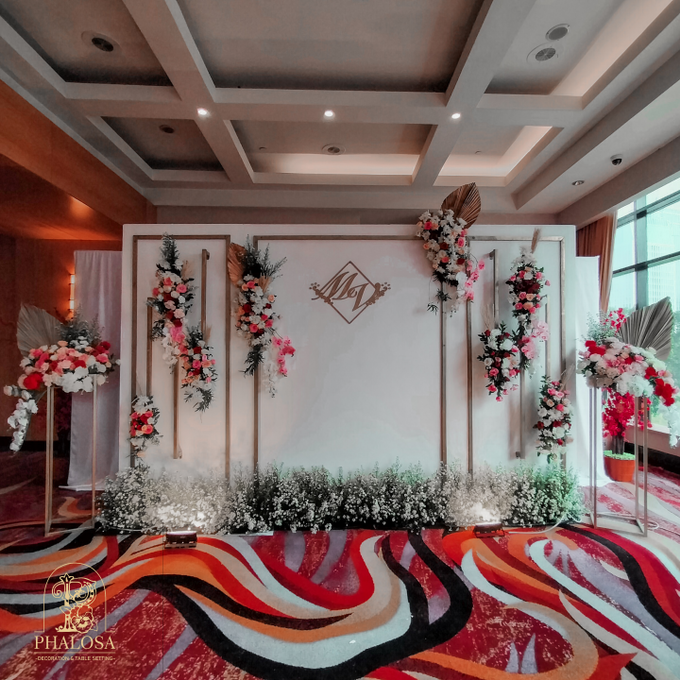 Wedding Of Melissa And Vendy by Phalosa Event Decoration & Table Setting - 005