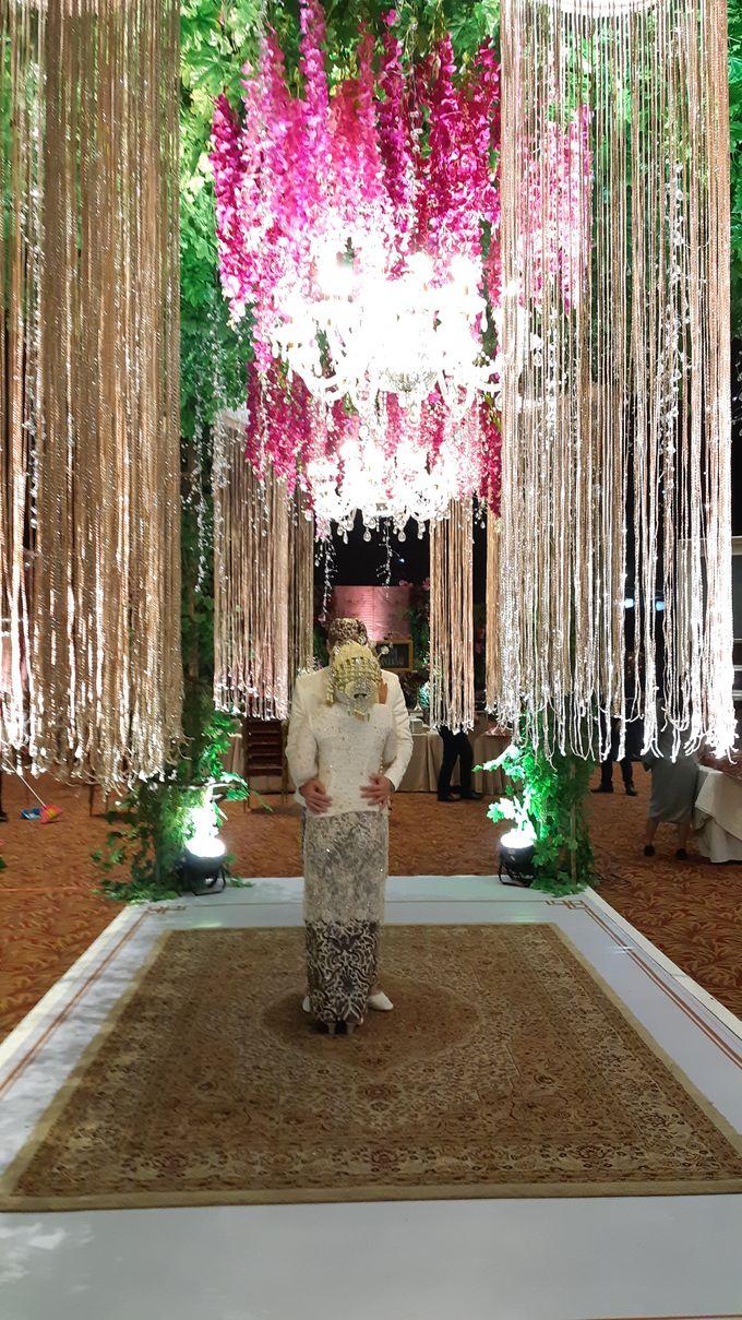 Ninis & Hadi Wedding by HENRY BRILLIANTO - 004