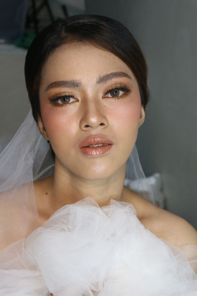 Classic Gold Tone For Holy Matrimony by Hana Gloria MUA - 006
