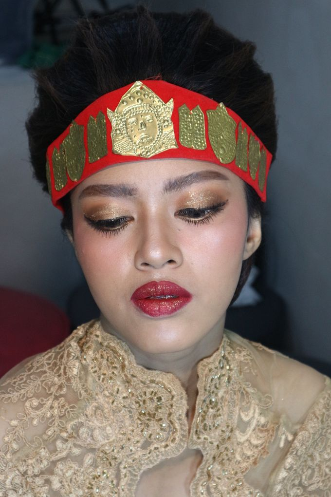 Thailand Makeup looks in Adat Batak Toba Sortali by Hana Gloria MUA - 010