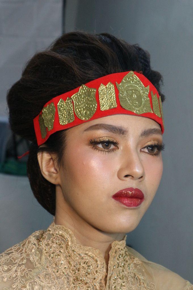 Thailand Makeup looks in Adat Batak Toba Sortali by Hana Gloria MUA - 009