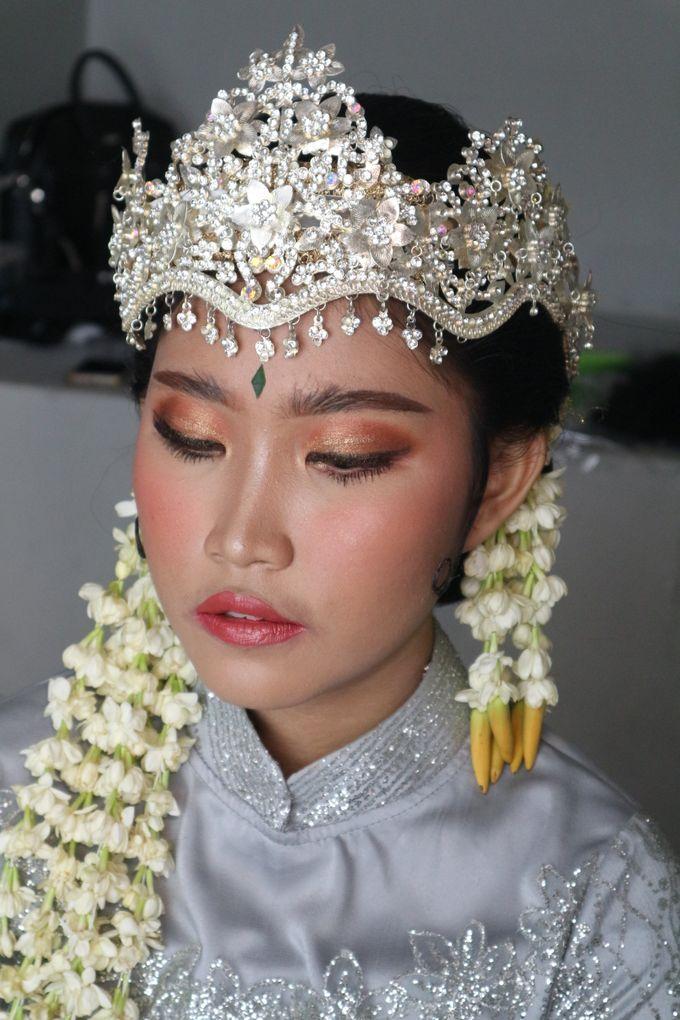 Reception Night Siger Sunda Wedding Makeup by Hana Gloria MUA - 008
