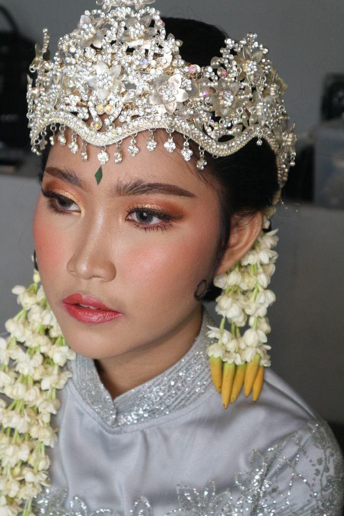 Reception Night Siger Sunda Wedding Makeup by Hana Gloria MUA - 002