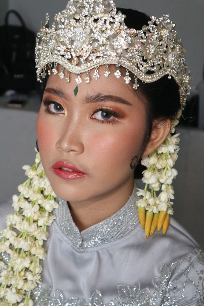 Reception Night Siger Sunda Wedding Makeup by Hana Gloria MUA - 004