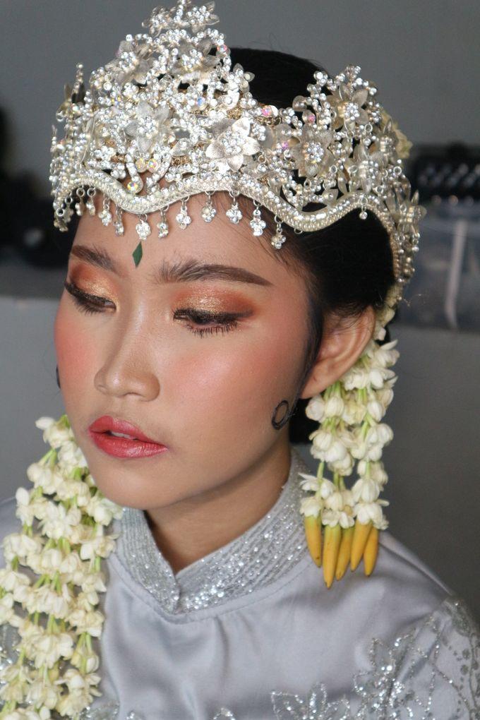 Reception Night Siger Sunda Wedding Makeup by Hana Gloria MUA - 003