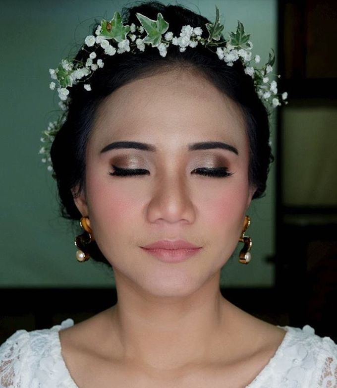 Garden Wedding - Windy by Arini Makeup Artist - 002