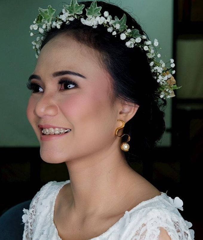 Garden Wedding - Windy by Arini Makeup Artist - 001