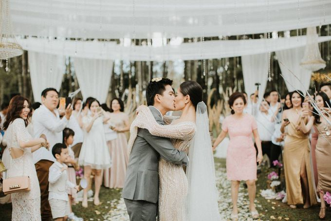 Pine Hill Bandung - The Wedding of Shelvin and Steven by ILUMINEN - 013