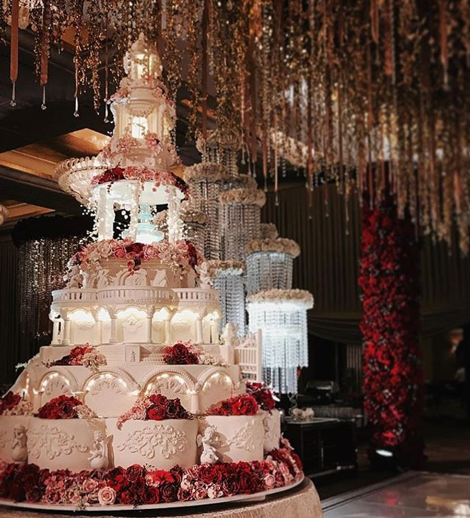 Masterpiece and Signature Wedding Cakes by LeNovelle Cake - 020