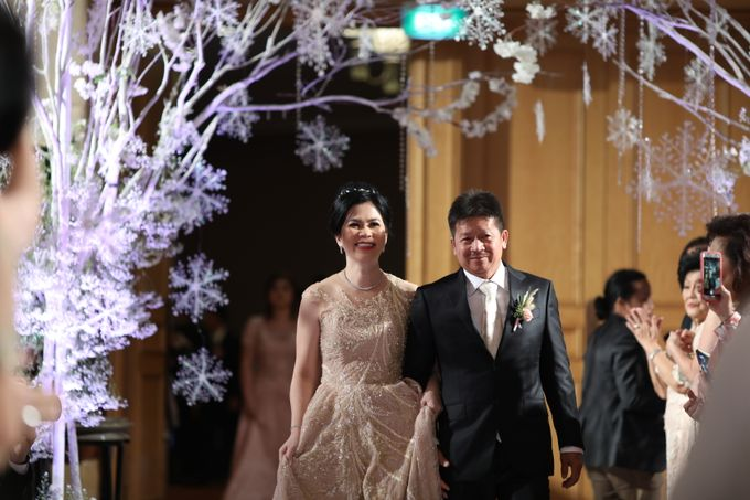 Family Dresses For Engagement & Wedding Of Citro & Bragita by Eliana Andrea - 002
