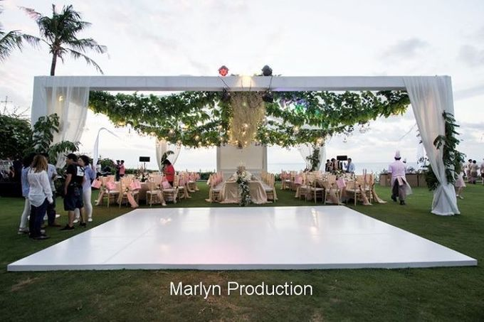 Outdoor Wedding Dinner Reception At Ayana Villa by Marlyn Production - 002