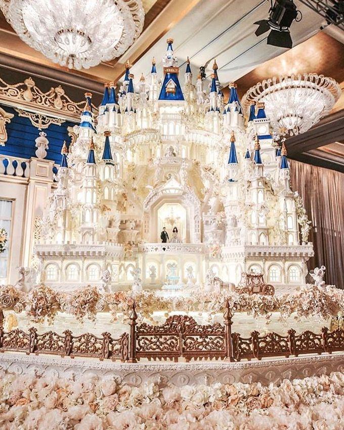 Masterpiece and Signature Wedding Cakes by LeNovelle Cake - 019