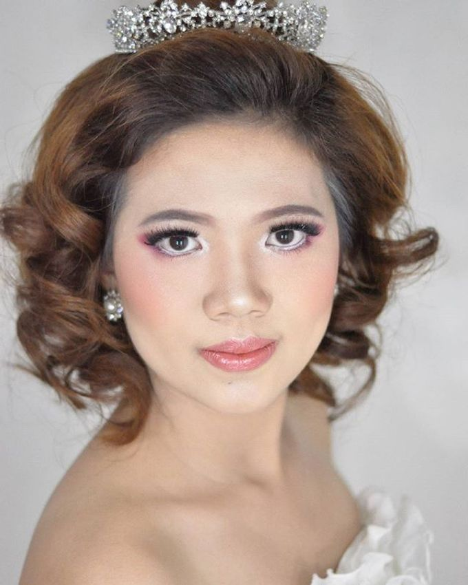Makeup & Hairdo for The Bride by MakeupByMery_K - 002