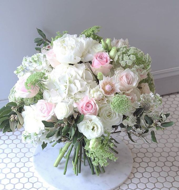 SIGNATURE BOUQUETS by The Floral Atelier - 001