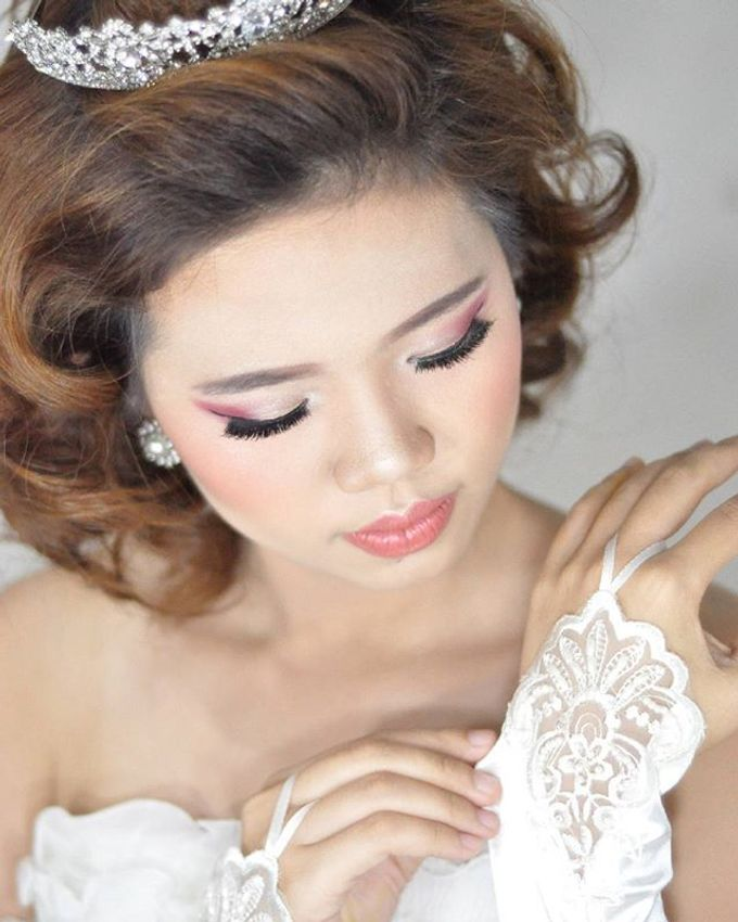 Makeup & Hairdo for The Bride by MakeupByMery_K - 001